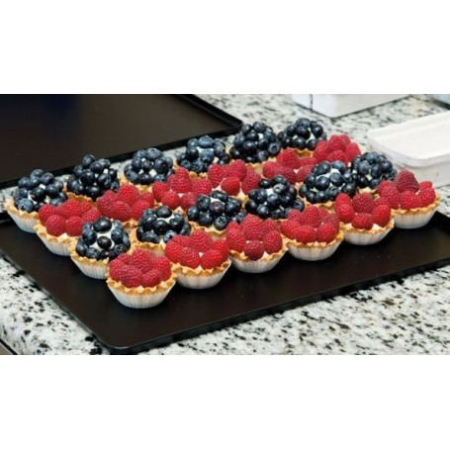Taca na ciasta 60x40cm, 4 ranty (1 lub 2 cm), kolor czarny, tłoczona, aluminiowa, cukiernicza. Kra01 Tace na ciasta - 4store.pl